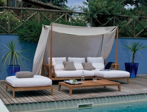 Romantic-Outdoor-Canopy-Beds-7