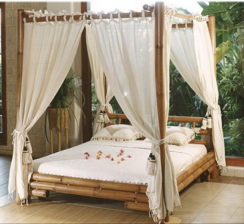 Romantic-Outdoor-Canopy-Beds-9