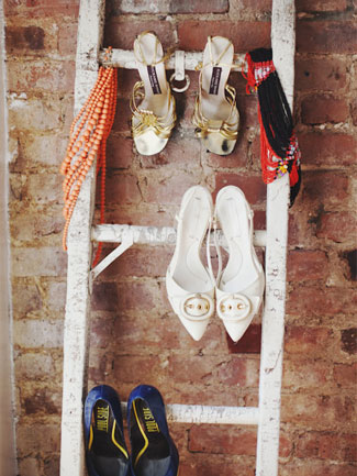 Use-an-old-ladder-to-hang-heeled-shoes-on