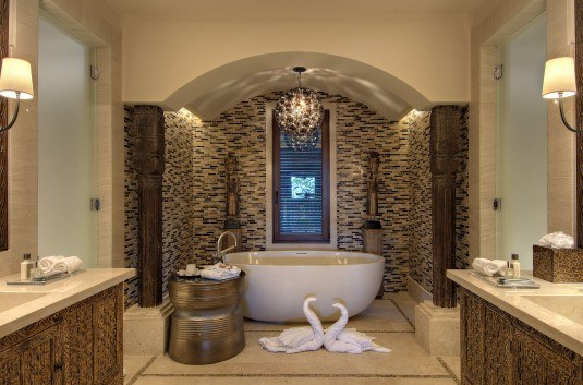 modern-bathroom-golden-535x353