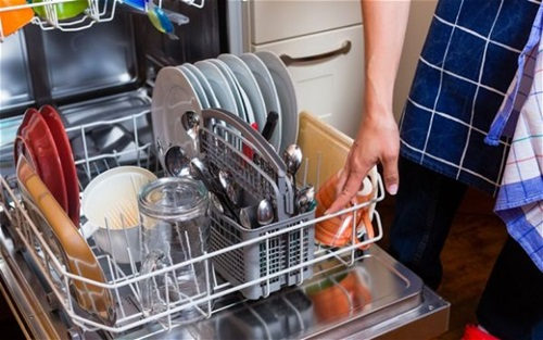 How-to-Clean-and-Maintain-your-Dishwasher-10