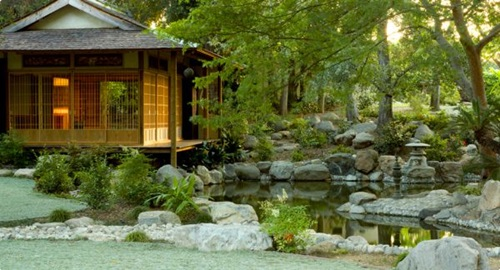 How-to-Create-a-Gorgeous-Japanese-Garden-2