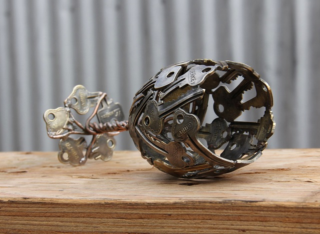 Sculptures-from-Keys-and-Coins-4