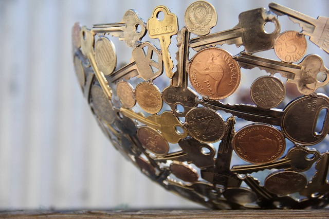 Sculptures-from-Keys-and-Coins-8