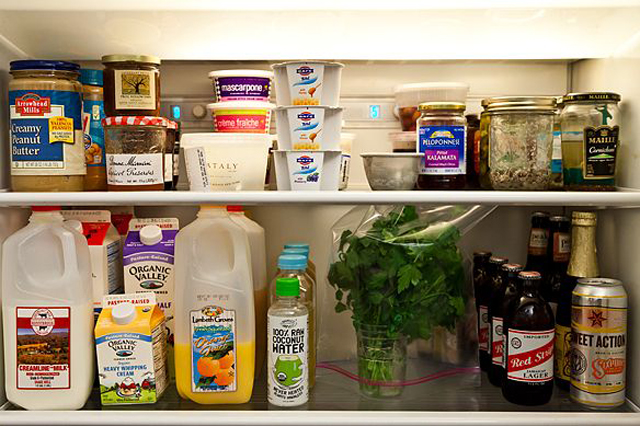 12-Tips-Tricks-For-Organizing-And-Cleaning-Your-Fridge-11