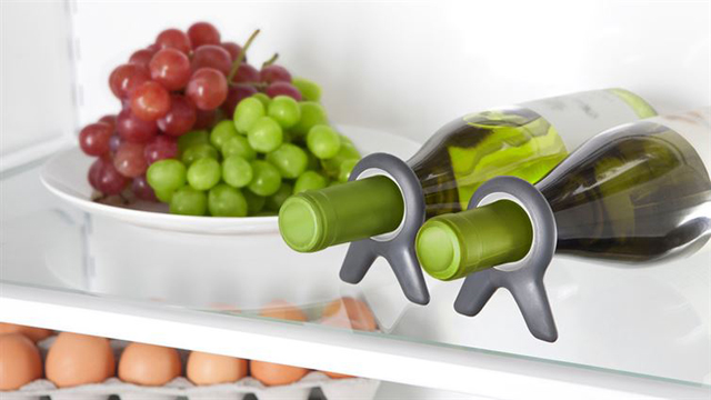 12-Tips-Tricks-For-Organizing-And-Cleaning-Your-Fridge-7