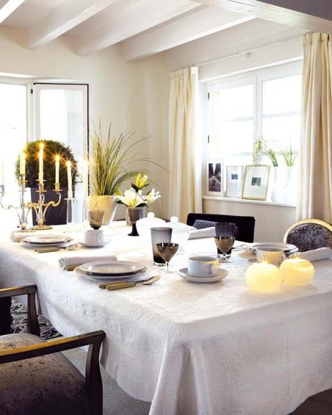 How-to-Decorate-Dining-Room-Tables-4
