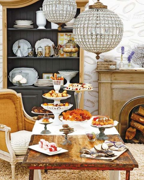 How-to-Decorate-Dining-Room-Tables-7