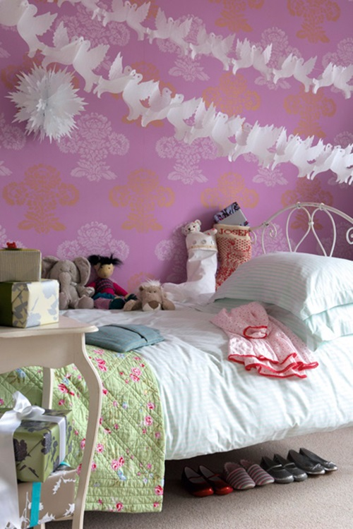 How-to-Pick-the-Right-Bed-for-Your-little-girl-4