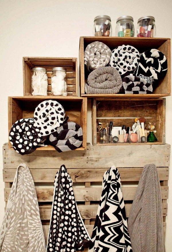 Wooden-crate-bathroom-organizer