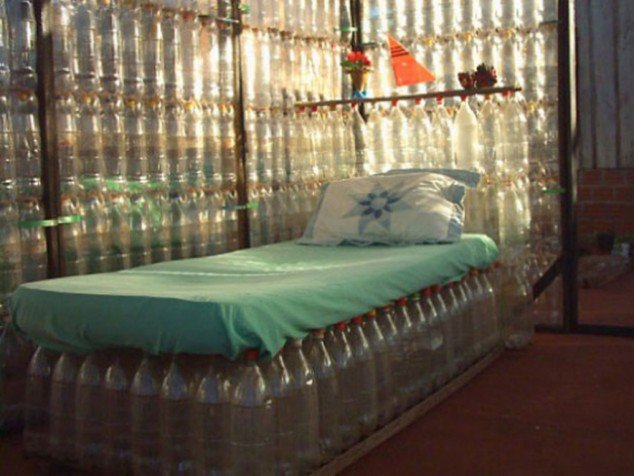 glass-bottle-bed-634x476