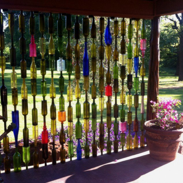 re-cycled-bottle-fence-634x634