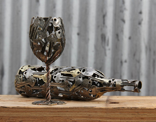 Sculptures-from-Keys-and-Coins-1